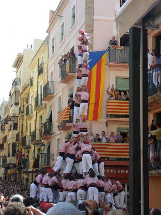 Imatge del dos de nou dels Xiquets de Tarragona, que va meréixer l'ovació de tota la plaça.