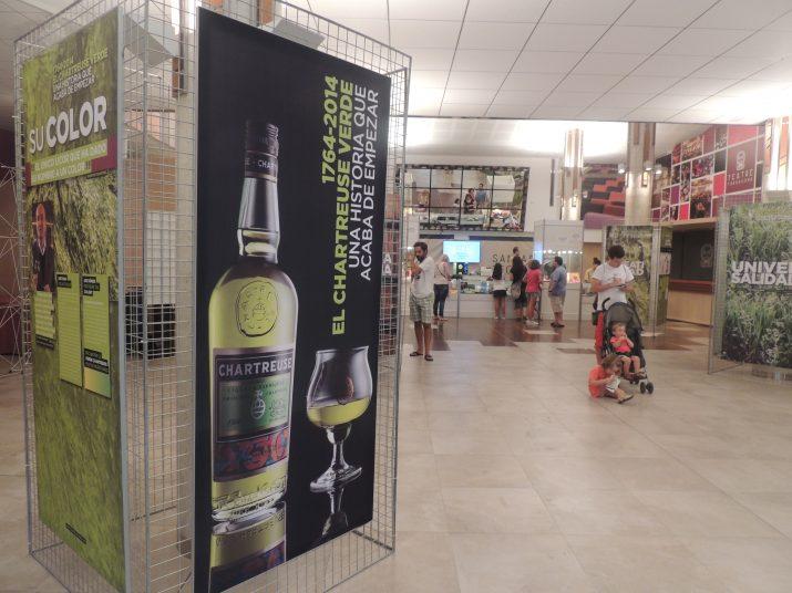L'exposició està situada al vestíbul del Teatre Tarragona.