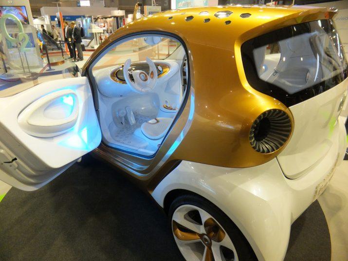 Prototip de cotxe elèctric que desenvolupa BASF i que es mostra a Expoquímia