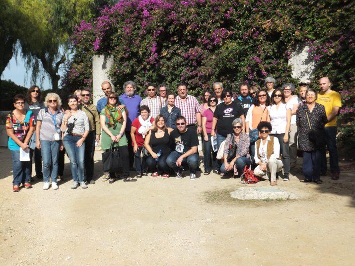 Foto de grup de tots els subscriptors de la revista que han participat aquest dissabte a la ruta de les fortificacions amb Joan Menchón de guia