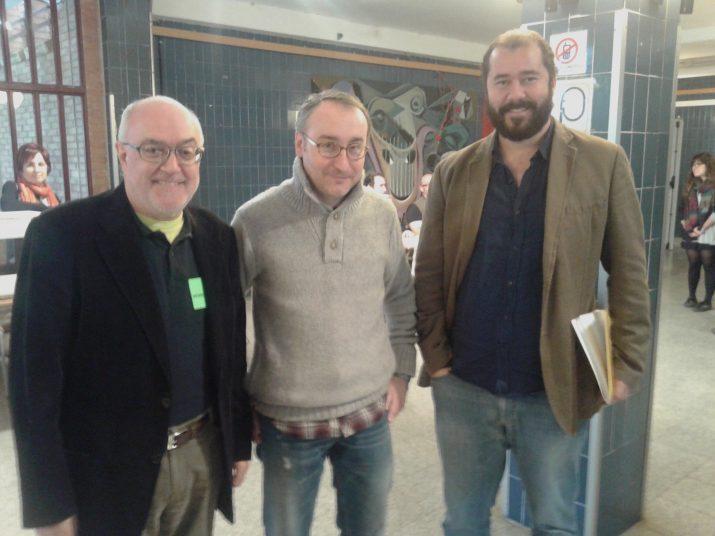 A l'IES Camp Clar es troben casualment els tres ponents del debat que organitza per aquest dilluns el 'Fet a Tarragona': Matias Vives, Jordi Jaria i Xavier Puig Andreu