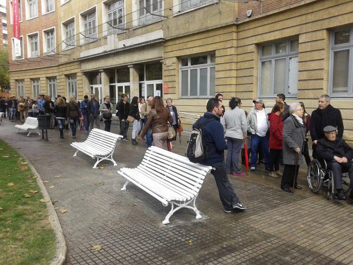 Molta paciència per accedir a l'IES Tarragona