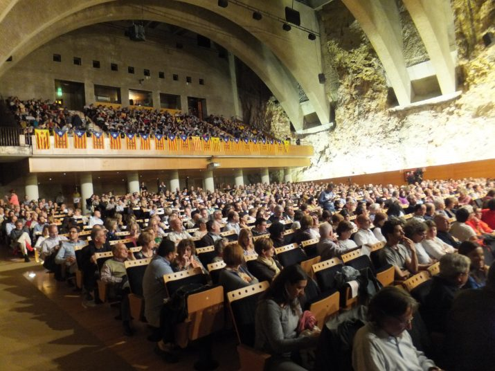 L'auditori August del Palau es va omplir amb 1.150 persones en l'acte final de la campanya 'Ara és l'hora'