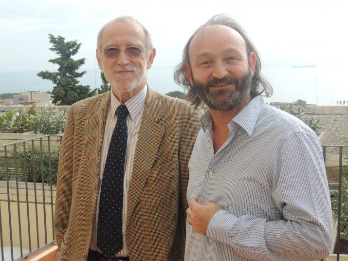 Jordi Folgado, responsable de la Fundació Vicente Ferrer a Espanya (esquerra), i Moncho Ferrer (dreta), director de programes de la Fundació i fill de Vicente Ferrer.