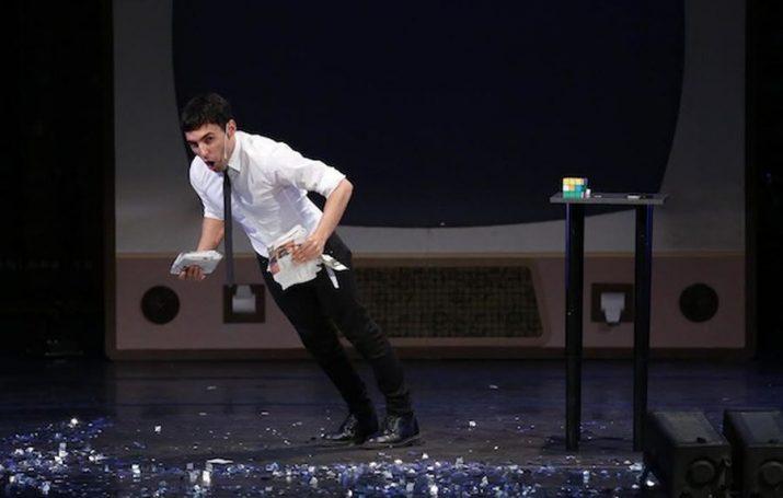 Un moment de l'espectacle 'La gran ilusión' amb Antonio Díaz (foto: ara.cat)