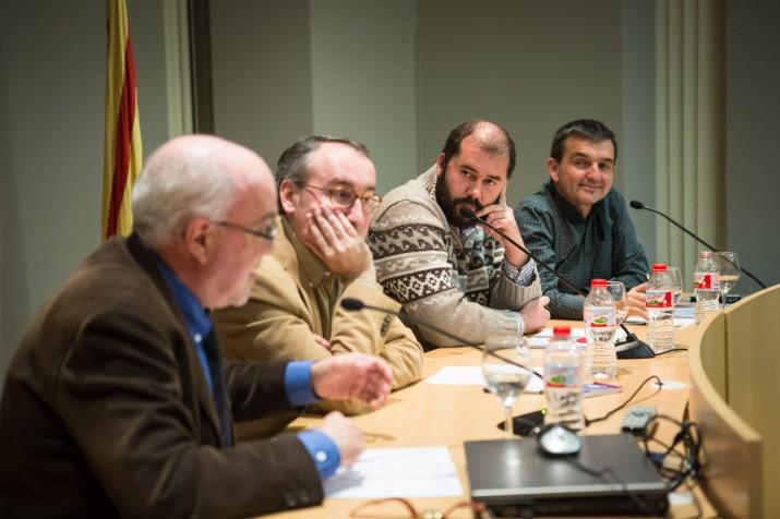 Jordi Jaria, Xavier Puig i Ricard Lahoz escolten els arguments de Matias Vives (foto: David Oliete)