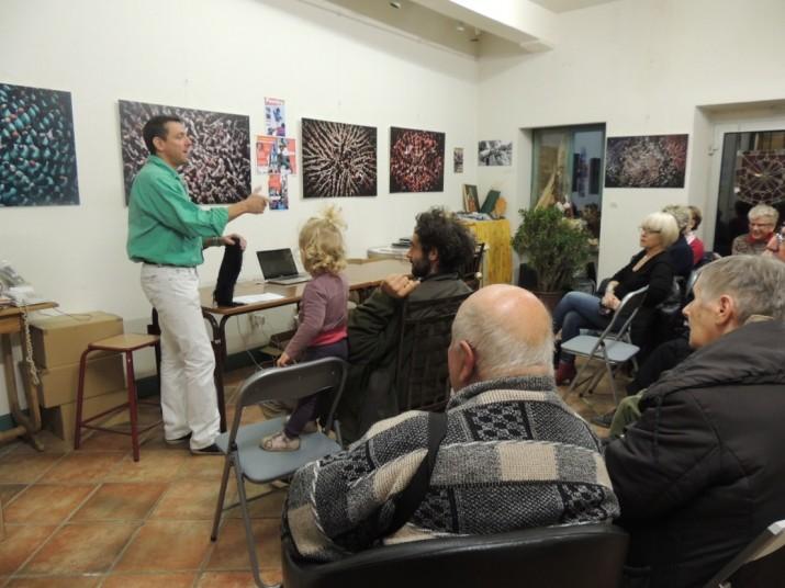 Acte de presentació de la mostra al local de l'entitat occitana a Carcassona (foto cedida)