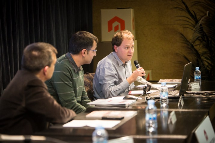 El periodista Òscar Palau (Fotografia: David Oliete).