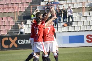 Celebració del primer gol del partit obra de Marcos. El de Pollença va ser un dels destacats. Foto:Nàstic
