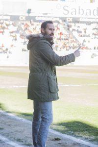 Vicente Moreno sempre intens a la banda. Foto:Júlia Abelló López