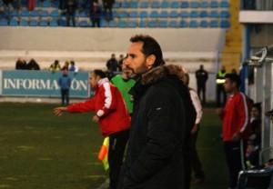 Vicente Moreno amb cara d'impotència veient com el Nàstic no aprofitava les ocasions. Foto:Nàstic