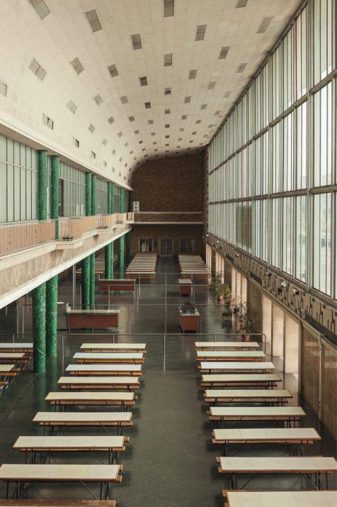 Imatge actual del menjador de l'antiga Laboral, peça emblemàtica del complex construir fa 60 anys (foto: AGUSTÍ ARÉVALO)