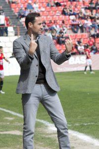 Vicente Moreno gestiona casa segon del partit. Foto:Nàstic