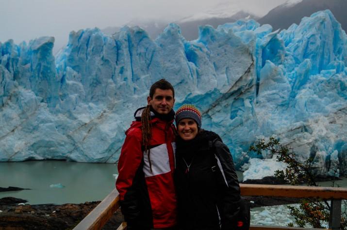 Guillem Roqué i la seva companya a la glacera argentina de Perito Moreno (foto cedida per GUILLEM ROQUÉ)