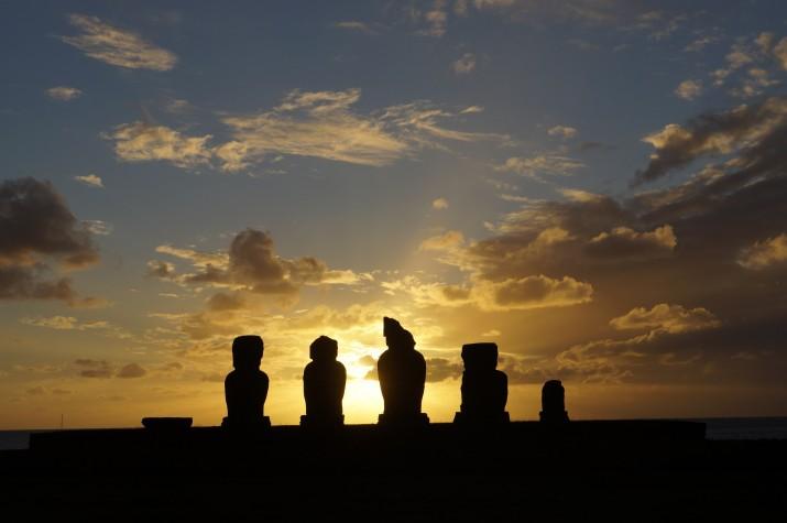 Posta de sol a l'illa de Pasqua (foto cedida per GUILLEM ROQUÉ)
