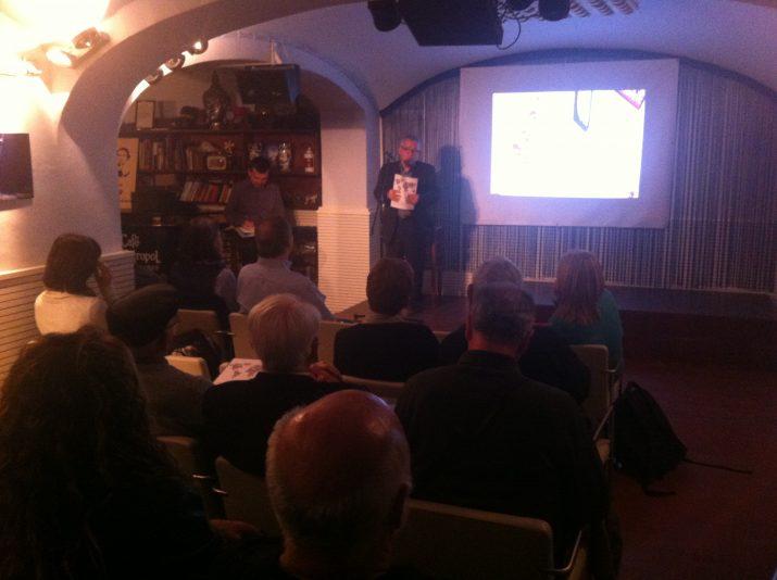 Un moment de l'acte de presentació de la revista amb la presència d'Antonio Salcedo (foto: DAVID OLIETE)