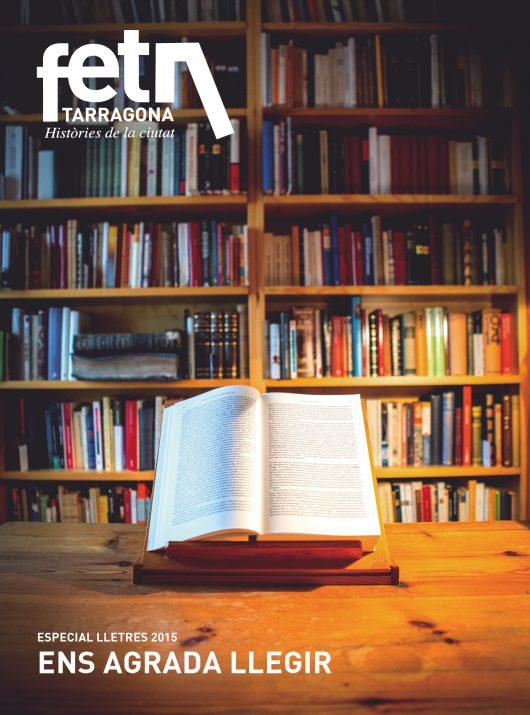 Portada del suplement 'Ens agrada llegir' realitzada a la biblioteca personal de la família Tur-Gómez (foto: DAVID OLIETE)