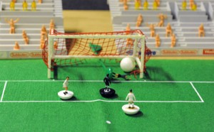 El joc del subbuteo es va inventar l'any 1947 i va viure una época daurada a les dècades dels 70 i 80. Ara des del 2012 s'ha recuperat. Foto:Subbuteo