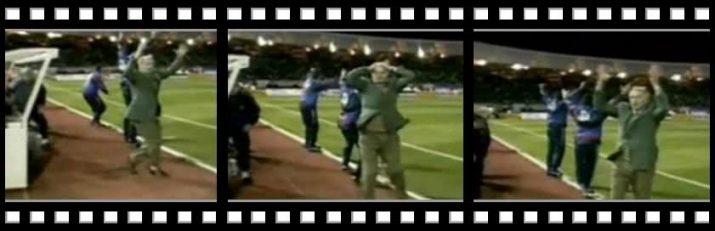 Frames de la reacció de Bobby Robson després el gol de Ronaldo