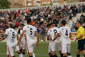 Rayco celebra el seu dotzè gol a la lliga. Era el 0 a 1. El gol no va servir per a sumar a Elda. Foto:Nàstic