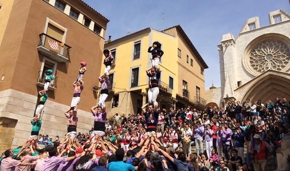 Els pilars de les colles tarragonines en la presentació de 'Tarragona ciutat de castells' (foto: Diari Casteller)