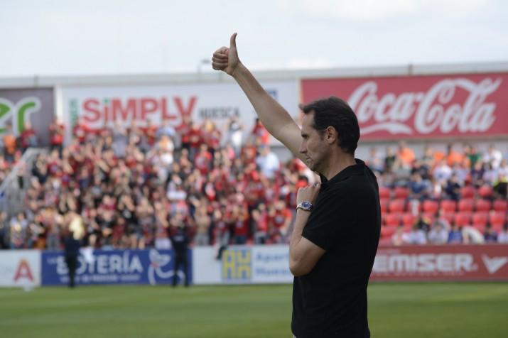 Vicente Moreno haurà de buscar la fórmula per trencar el joc del Huesca a Tarragona. Foto:Nàstic