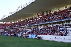 El Nou Estadi va presentar una entrada fluixa per veure el darrer partit de la lliga regular. Foto:Joan Alfons López