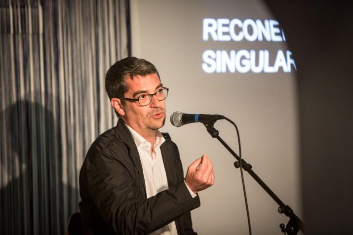 Joan Tous, president del Col·legi d'Arquitectes a Tarragona, en un moment de la seva xerrada al Cafè Metropol (foto: DAVID OLIETE)