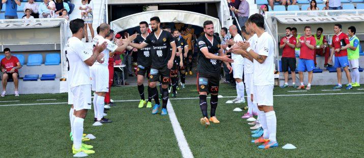 Sortida del Nàstic a la Murta amb el passadís dels jugadors valencians. Foto:Joan Alfons López