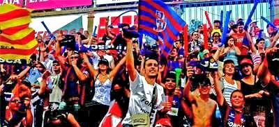 Afició del Huesca a l'Alcoraz. Foto:Heraldo