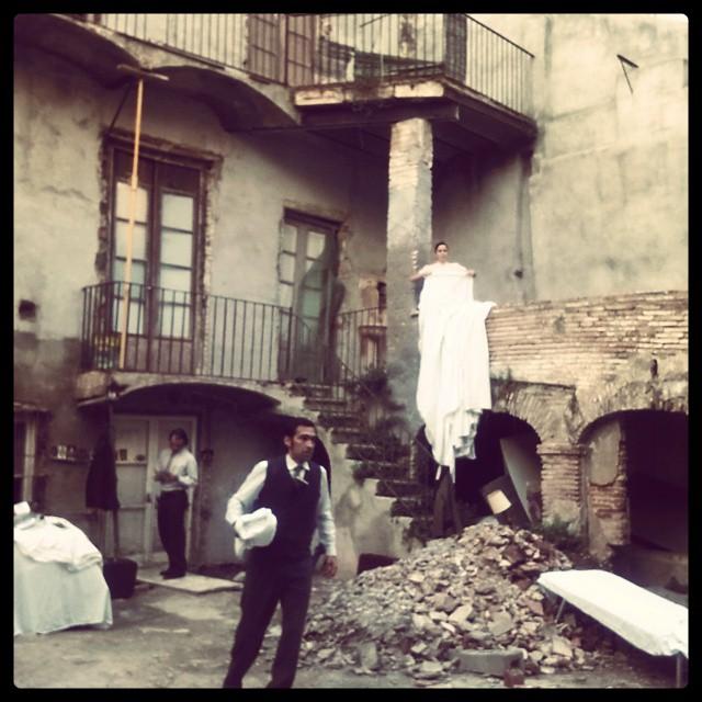 Runes d'una casa enderrocada al carrer Trinquet Vell, on comença l'espectacle 'Fugint' (foto: ANNA PLAZA)