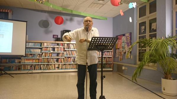 Josep Lluís Carod-Rovira en un acte de lectures sobre Teresa Rovira a la Biblioteca Pública de Tarragona (foto: BPT)