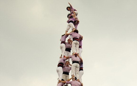 El quatre de nou amb folre coronat per la Colla Jove de Tarragona el passat dissabte a Milà (foto: Elena Gavaldà)