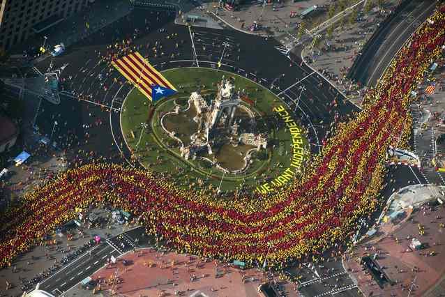 La V de l'Onze de Setembre de 2014,  a l'alçada de la plaça Espanya (foto: vilaweb)