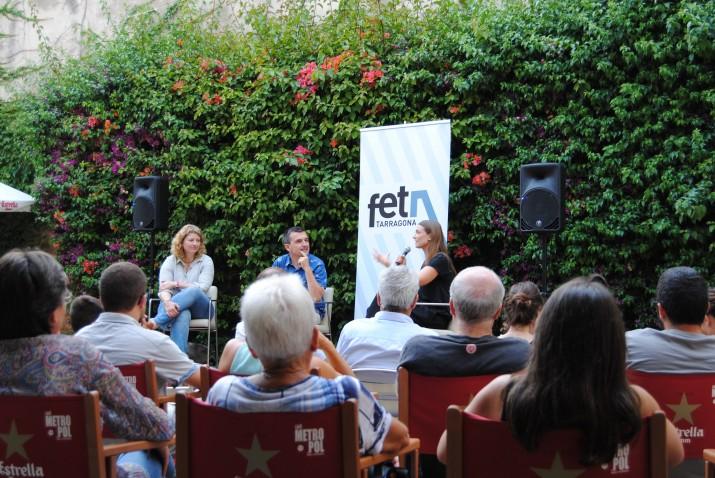 Un moment de l'acte de presentació del número 12 del FET a TARRAGONA amb Gabriella Nonino, a l'esquerra, i Helle Kettner, a la dreta (foto: ANNA PLAZA)