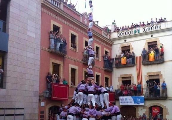Pilar de 8 amb folre i manilles de la Jove. (Foto: Diari Casteller)