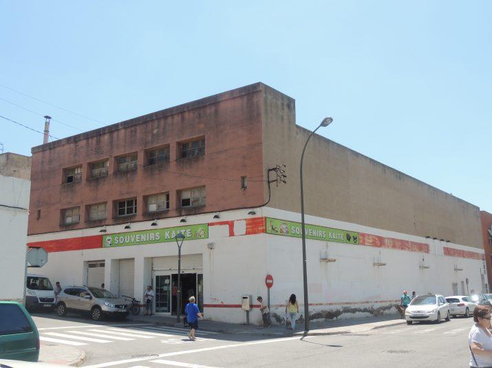 Aspecte actual de l'antic Classic Cinema de Torreforta (foto: ENRIC GARCIA)