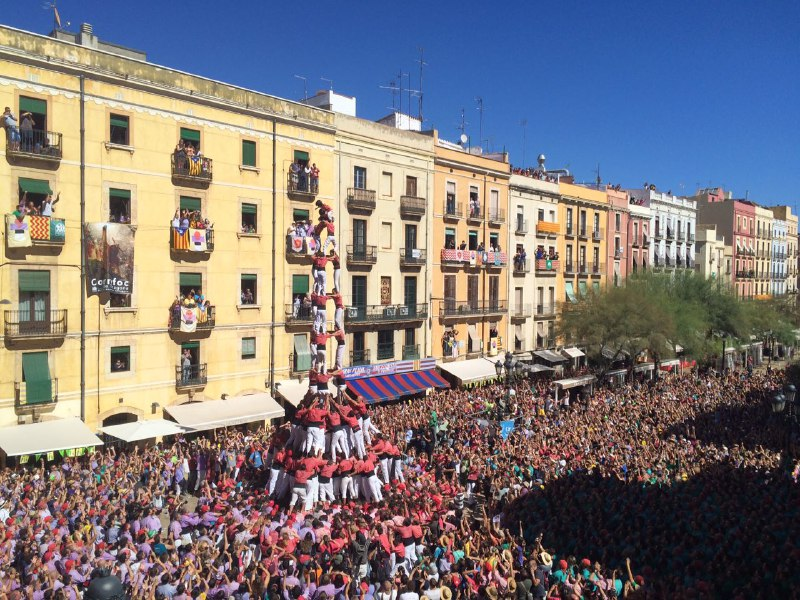 3 de 10 amb folre i manilles de la Colla Vella dels Xiquets de Valls (Foto: DiariCasteller.cat)