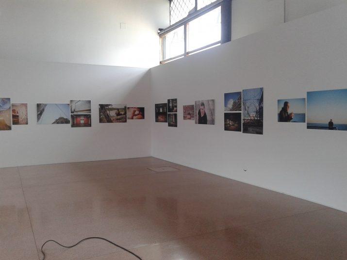 Aspecte de la sala d'exposicions que acull a partir d'avui 193 fotografies de Tarragona