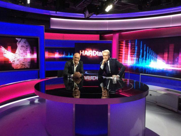 El cap de llista de Junts pel Sí, Raül Romeva, en una entrevista a la BBC (foto: Junts pel Sí)