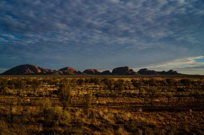 """El Kata Tjuta, el conjunt de roques """"germanes"""" de l'Uluru, no són tan famoses, però són una de les fites més reconeixibles dins la """"buidor"""" de l'outback (foto: GUILLEM ROQUÉ)"""