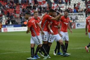 Els jugadors grana celebren el primer gol de Jordi Calavera. Foto: Nàstic