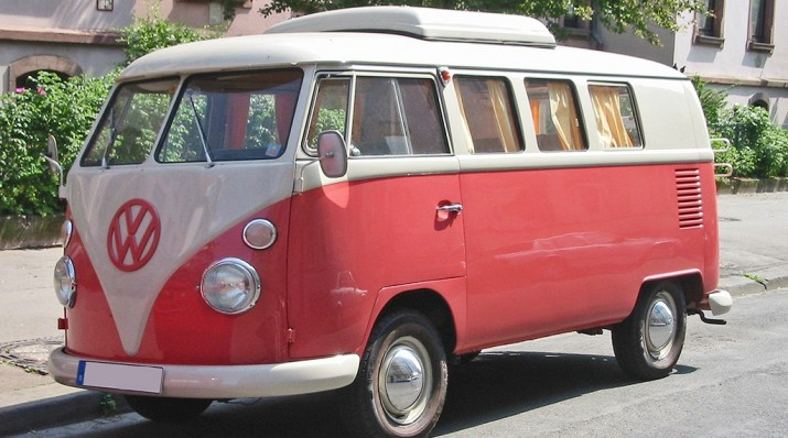 Volskwagen Transporter amb els colors del Nàstic.
