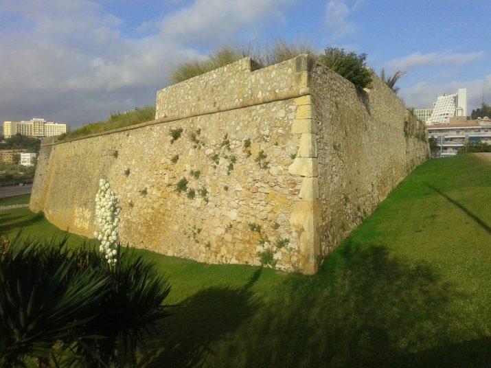 El Fortí de Sant Jordi, tancat al públic, una de les fortificacions més importants de la ciutat