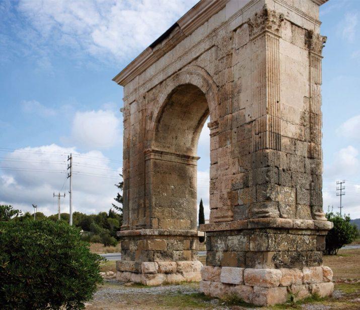 L'Arc de Berà serà un dels monuments protagonistes del col·leccionable 'Tarraco. Patrimoni Mundial: una nova visió' que es distribuirà gratuïtament a partir del gener amb el FET a TARRAGONA (foto: pepo Segura)