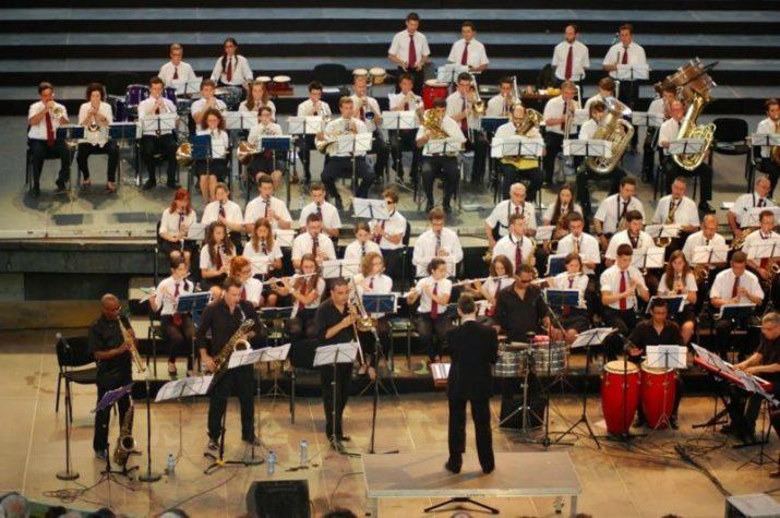 Imatge d'un concert de la Banda Unió Musical de Tarragona, dirigida per Oscar Miguel Losada (foto: cedida)