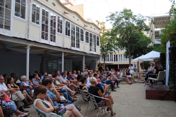 Presentació dle número 12 del 'Fet a Tarragona'  (juliol 2015) al jardí del Cafè Metropol, que pocs mesos després va tancar al públic (foto: Fet a Tarragona)