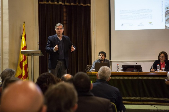 L'arqueòleg Ruiz de Arbulo en un moment de la presentació de l'obra que dirigeix (foto: DAVID OLIETE)