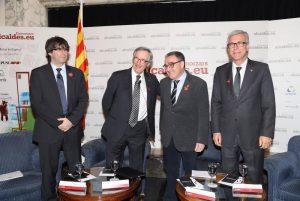 Puigdemont i Ballesteros en un debat dels 4 alcaldes de capitals catalanes, el passat mandat (foto: El Punt Avui)
