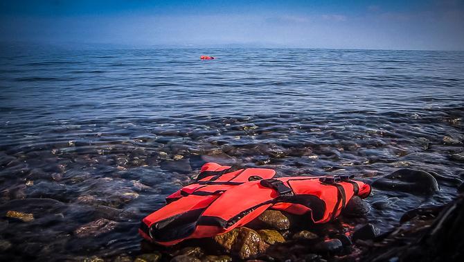 """Fotograma del documental """"To Kyma. Rescat al mar Egeu"""", de David Fontseca i Arantza Díez  (foto: CCMA)"""